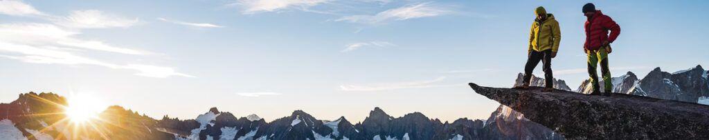 zenda-vertica-trekking-campamento-escalada-alta-montana-aventura-tienda_